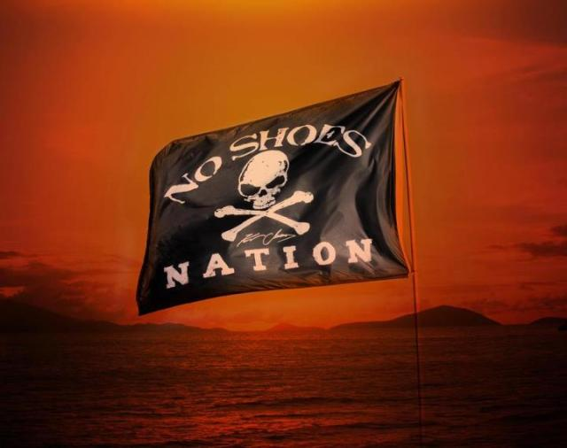 Kenny-Chesney-No-Shoes-Nation-Flag-hunksrhandbags hunksrhandbags.com